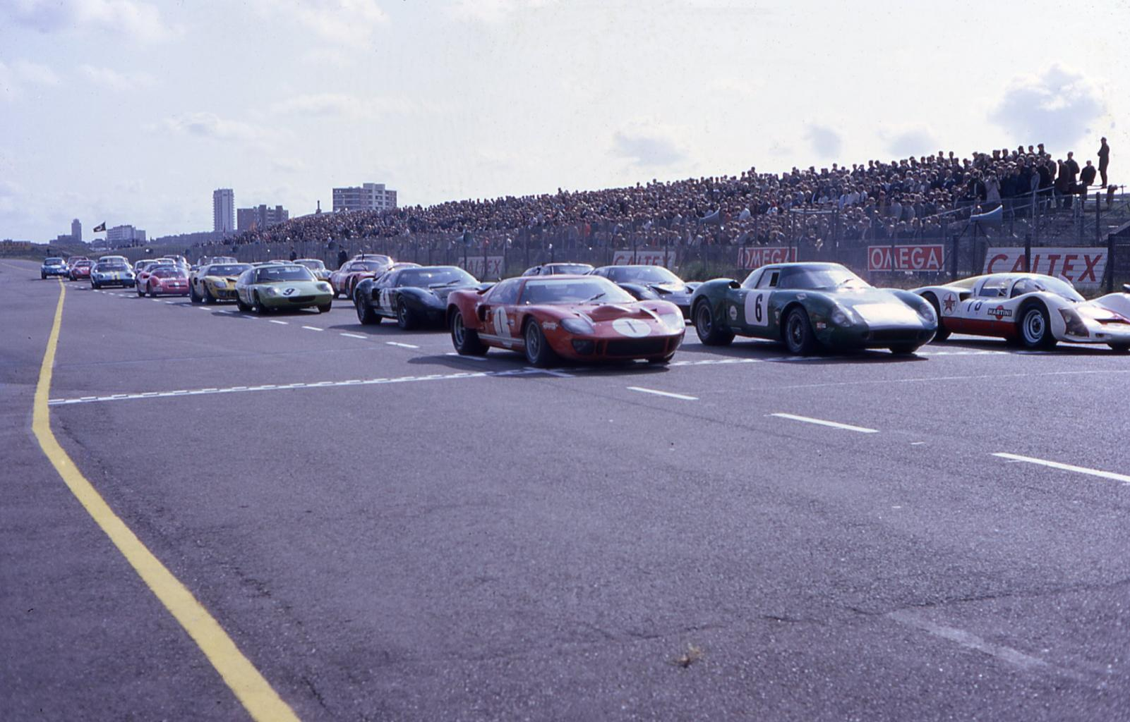 P1001-030-line-up-spa-may-68-jpg