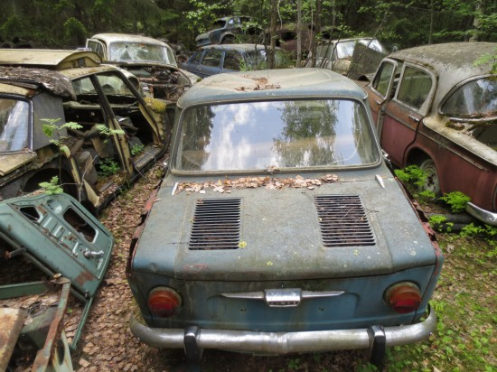 GT40 Tail Lights-04-1964-simca-1000-down-junkyard-picture-courtesy-murilee-martin-550x412-jpg