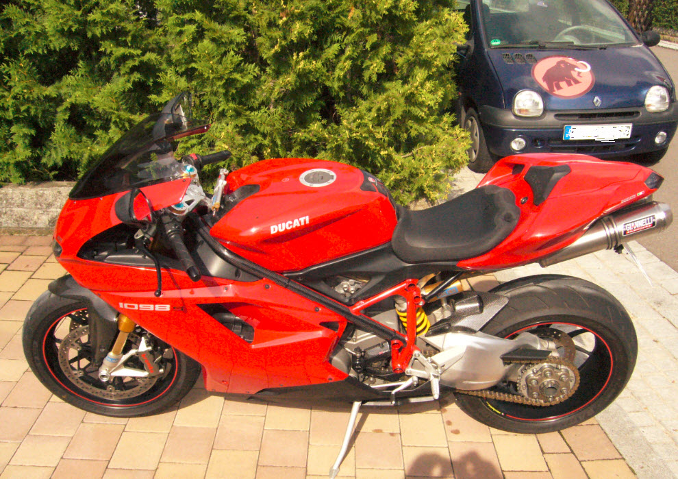 Anyone out there still riding motorbikes.-1098_1-jpg