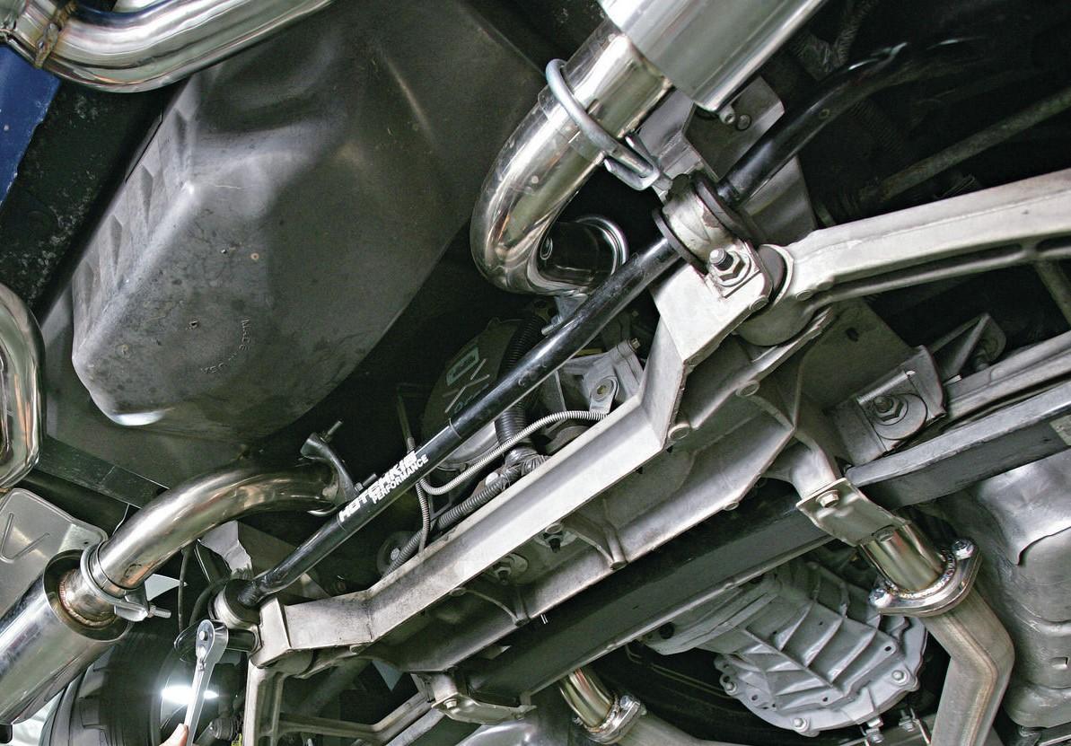 Front Sway Bar Brackets-1102chp_23_o-2002_chevy_corvette_c5_z06-rear_sway_bar_removal-jpg