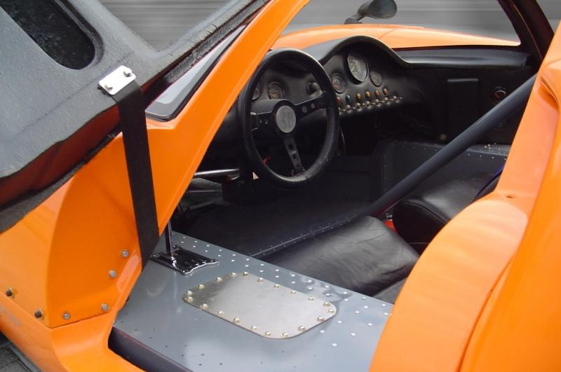 Lola T 70-1_interior-jpg