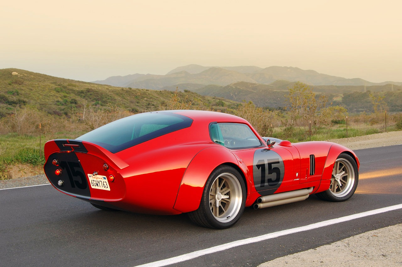 Daytona cobra coupe-2009-shelby-daytona-coupe-le-mans-edition-rear-side-jpg