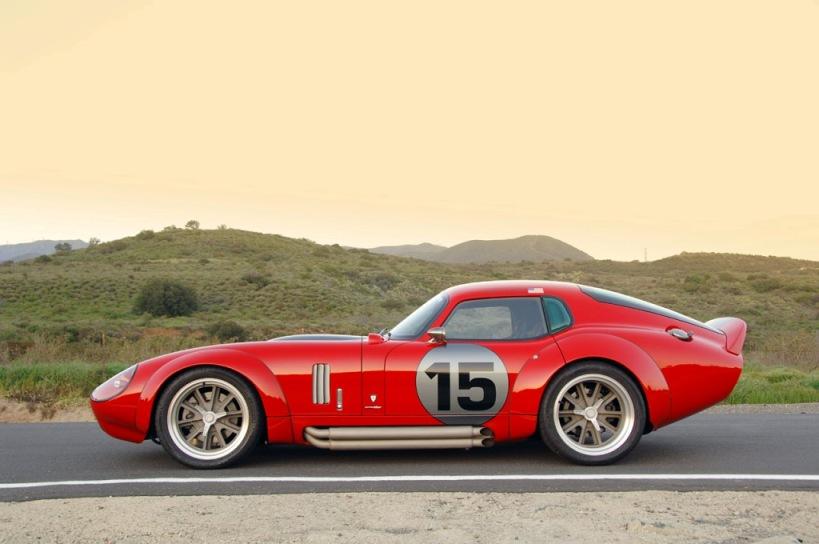 Daytona cobra coupe-2009-shelby-daytona-coupe-le-mans-edition-side-jpg