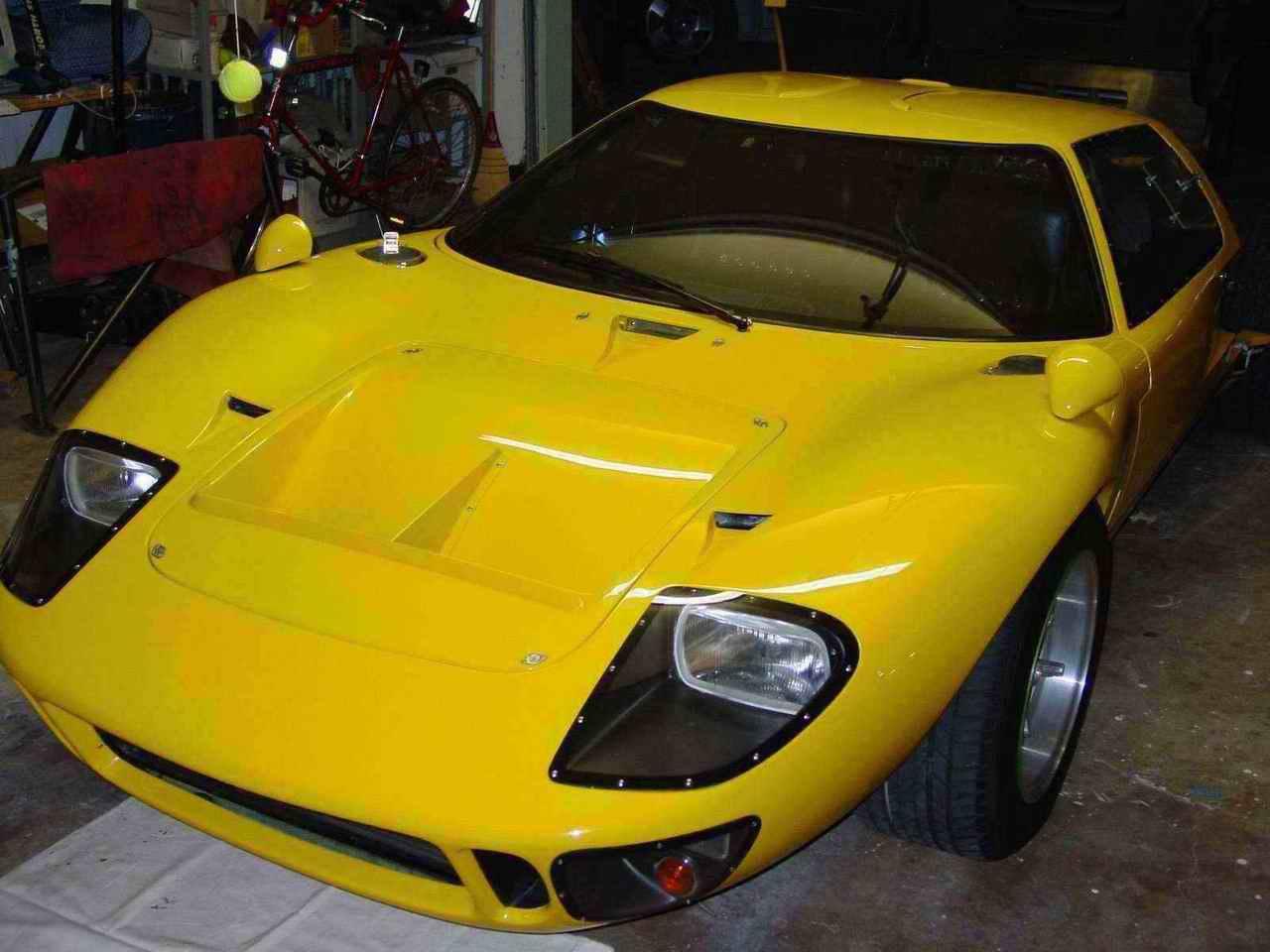 ERA GT 40 MK1 #2043-27678-left-front-high-low-res-jpg