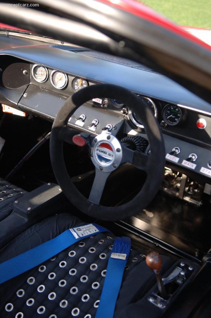 Original 40's steering wheel emblem-69_ford_gt-40_1083_dv_06-0int-04-jpg