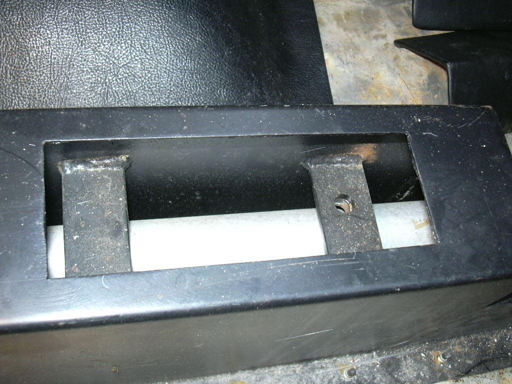 DAX Build Up-72354-handbrakemount2-jpg