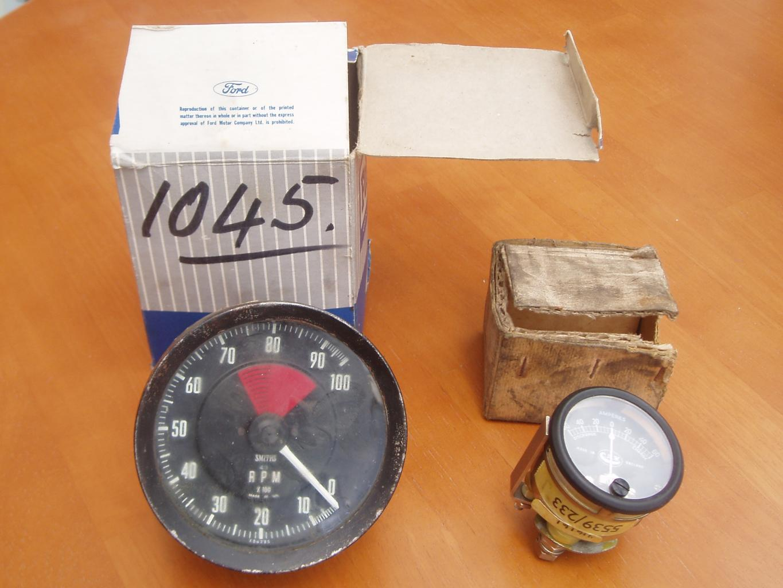 P1001-both-dials-jpg