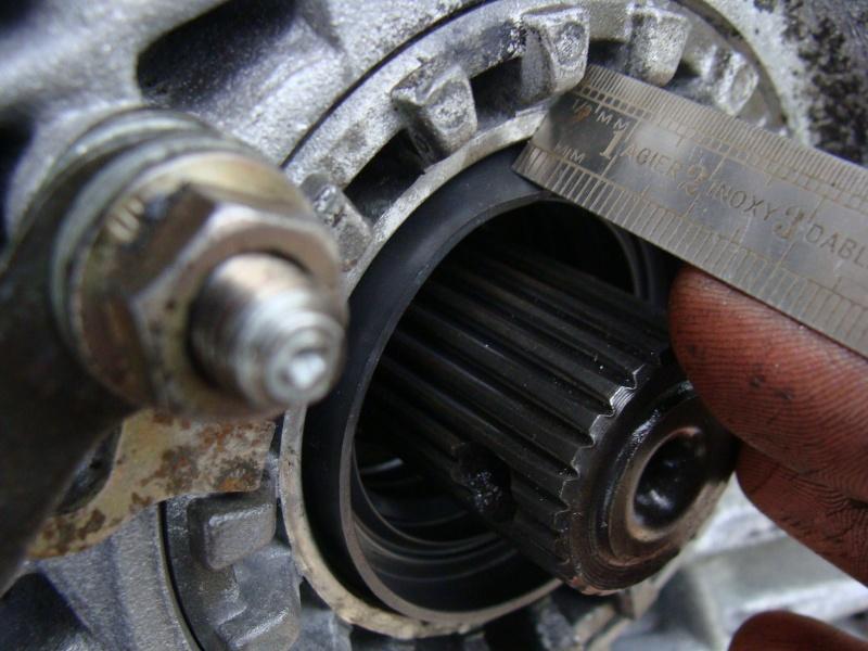 UN1 Output shafts-cot-differntiel-doit-etre-4-5mm-jpg