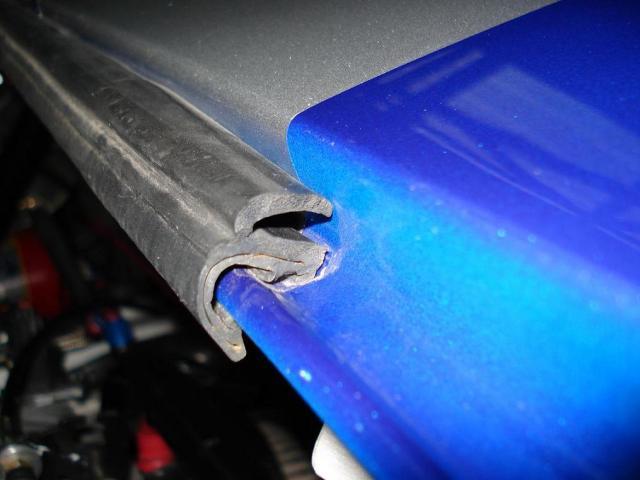 Rubber moulding for rear clip to spyder-dsc01671-jpg