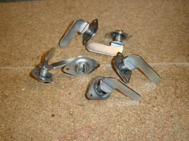 Winged Dzus fasteners-dsc03193-jpg