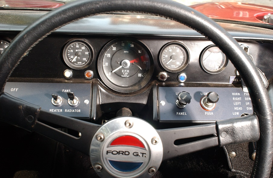 Original 40's steering wheel emblem-dsc_2073r-jpg