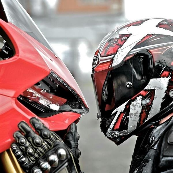Anyone out there still riding motorbikes.-ducati-love-jpg