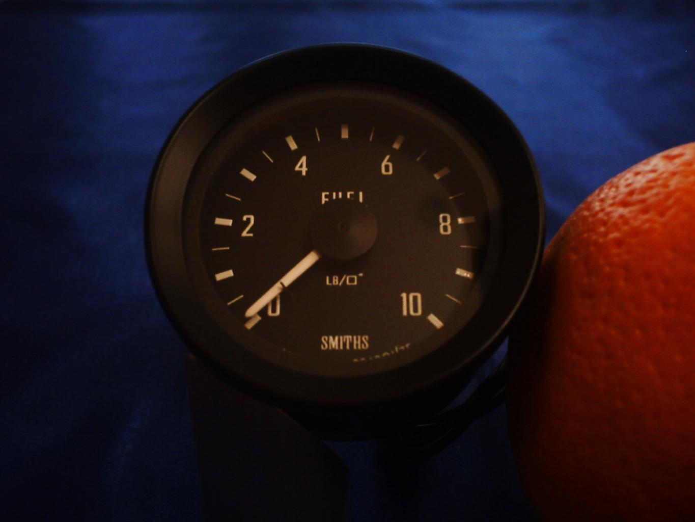 P1001-fuel-pressure-gauge-jpg