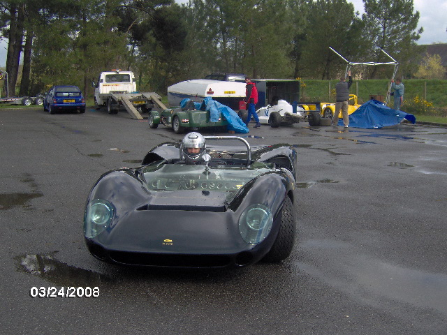 A few pics of my first attempt to drive a lola-hpim0495-jpg