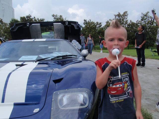 GT40 public attention-i-love-kids-jpg