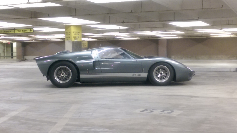 Superformance GT-40 Mk.II P2221-imag0311-1000x565-jpg