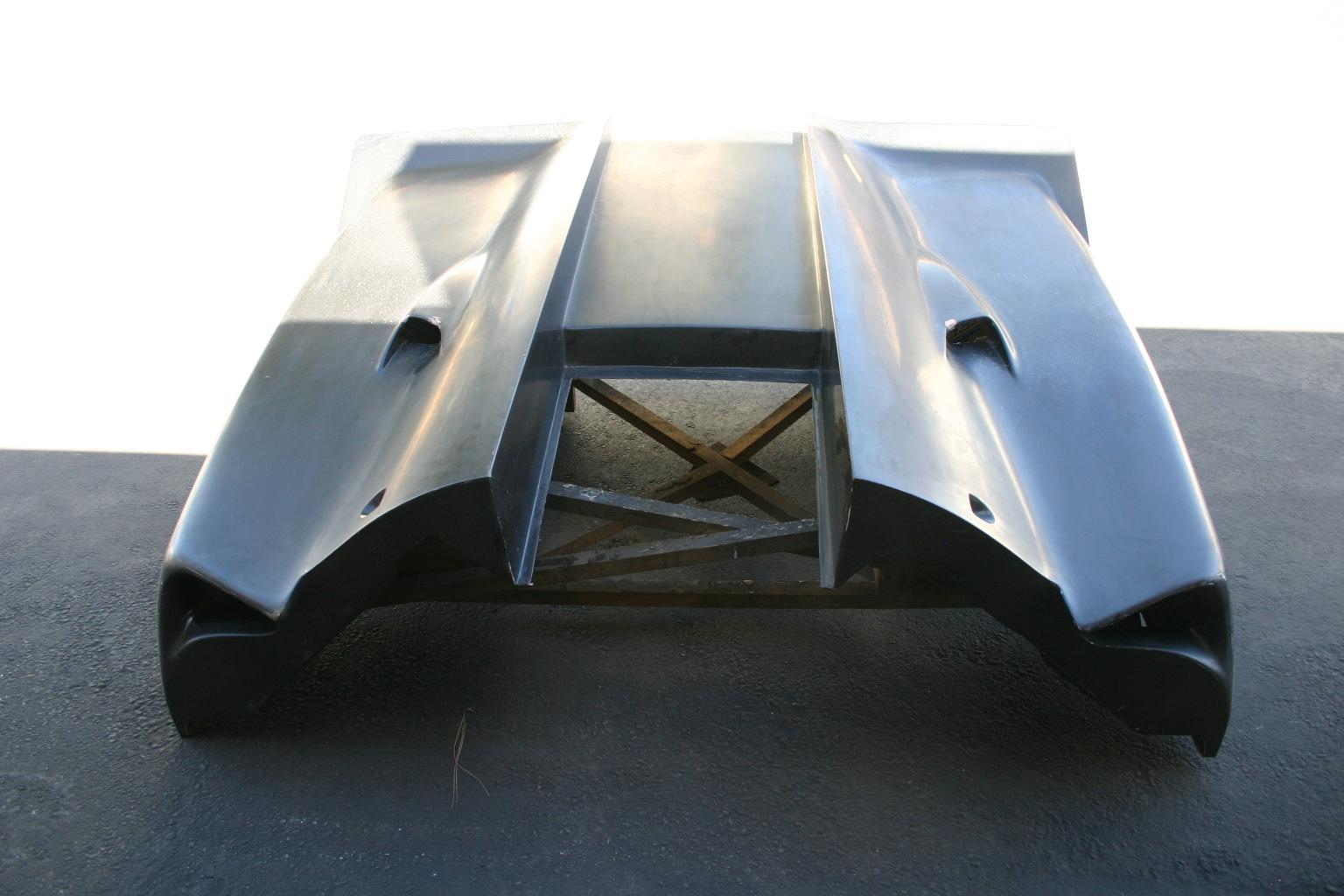 Lola T-70 MK3 B Tub & Bodywork coming in...-img_9479-jpg