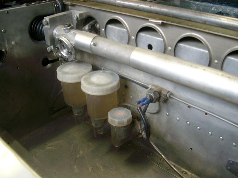 T70 IIIb Steering Rack mounting-imgp0437-jpg