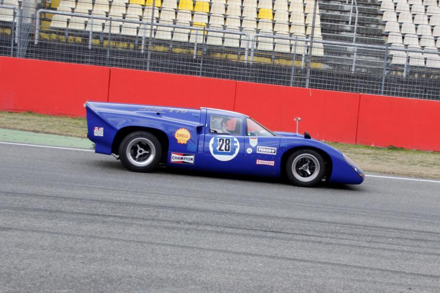 Lola T70 Mk3B (replica) tyres-lola-t70-mk3b-meinolf-dwuzet-jpg