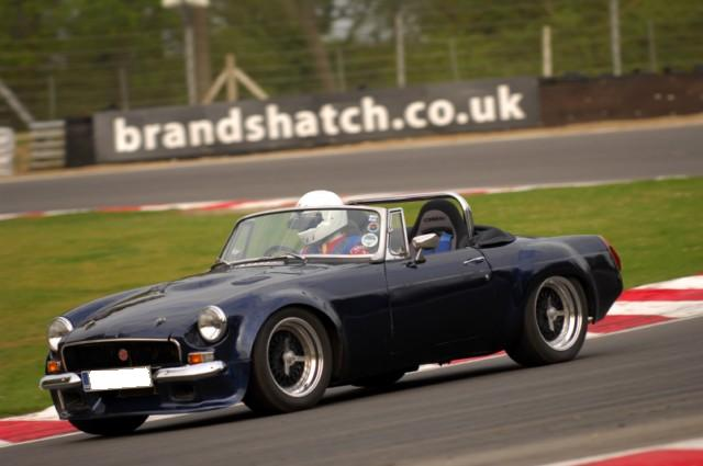 Taking My old MG on track-m3s_2826-640x480-jpg