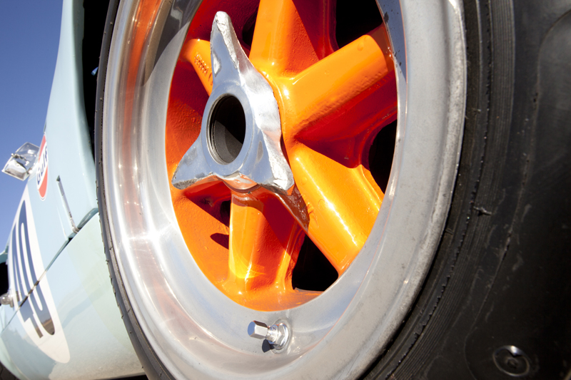 Wanted: Original style Gulf front and rear wheel spinners-mo12_r176_27-jpeg
