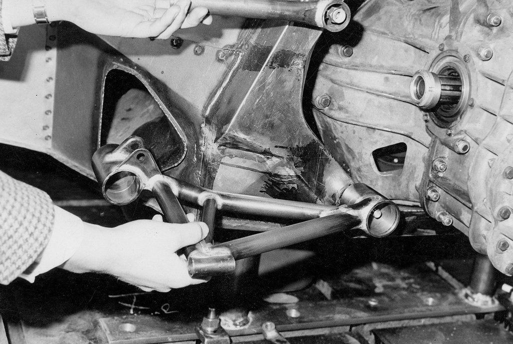 Original Rear Wishbone.jpg