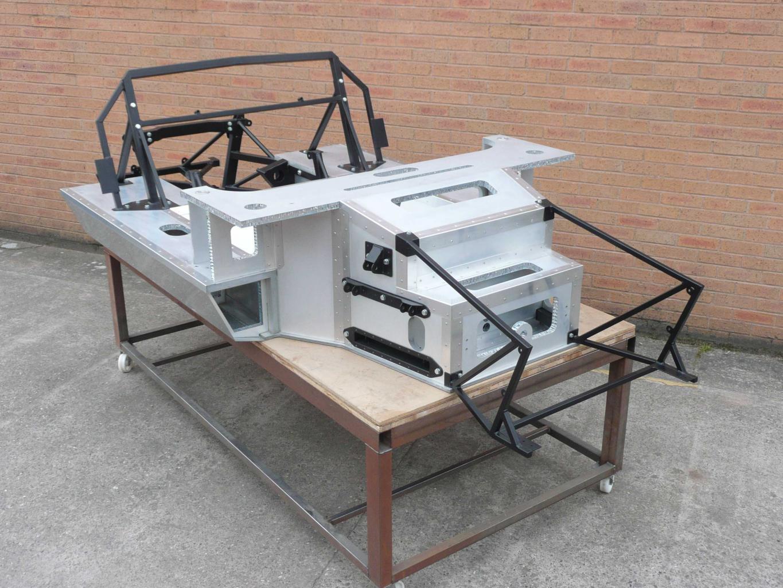 Tornado carbonfibre chassis-p1010836-jpg