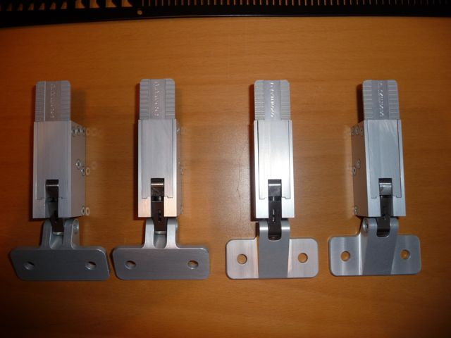 MDA Hartwell Latches/ Demister Grill-p1020962-jpg