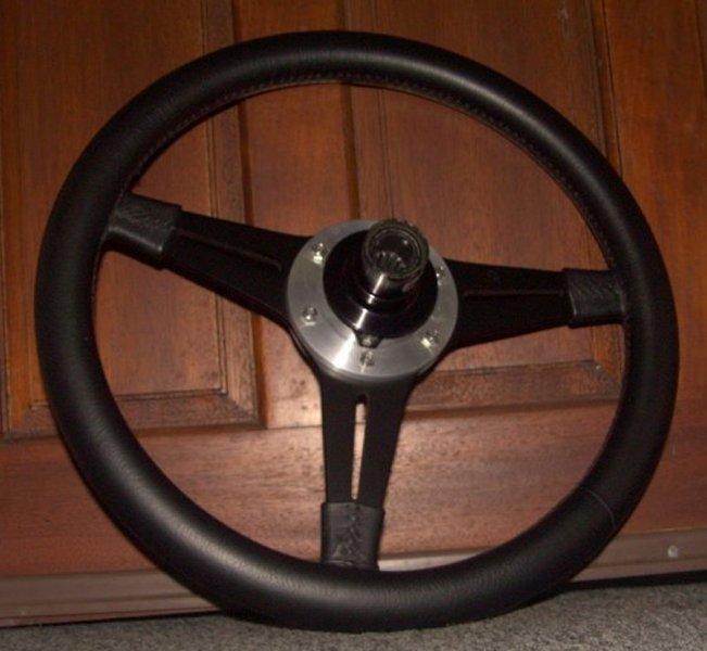 GTD 40 steering wheel-pdrm0072-jpg