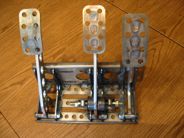 Chuck and Ryan's RCR Build-pedals-jpg