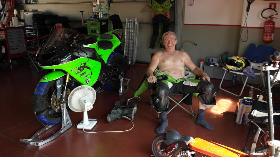 Anyone out there still riding motorbikes.-sam_0146-jpgk-jpg