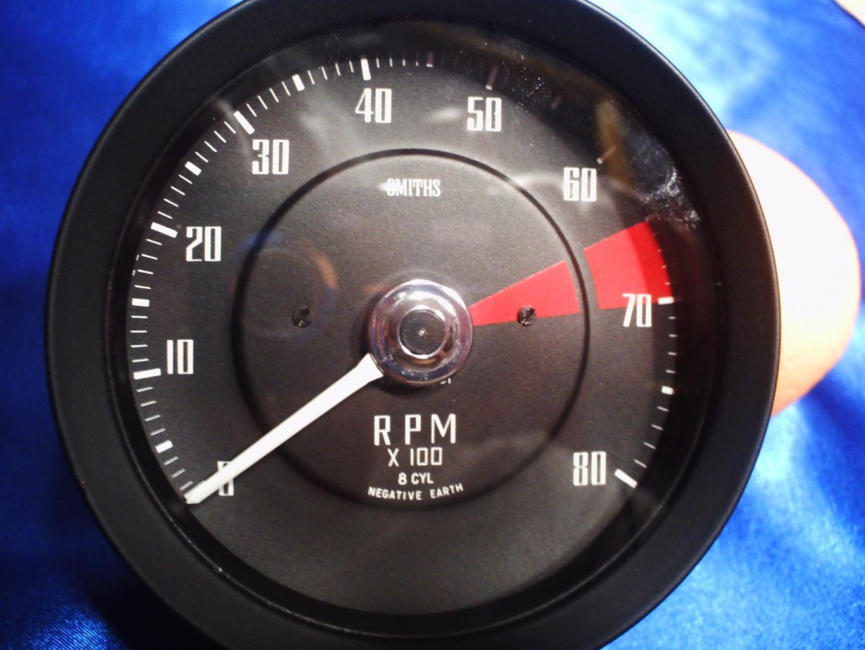 P1001-tachometer-jpg