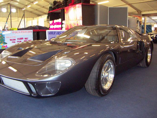 Exeter car show this weekend (UK)-terry-gt40-paint-007-jpg
