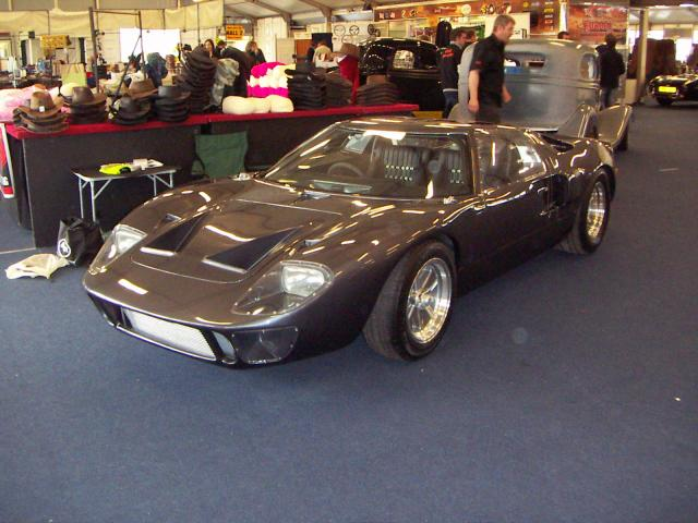 Exeter car show this weekend (UK)-terry-gt40-paint-008-jpg