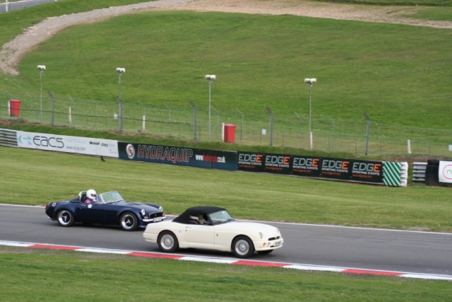 Taking My old MG on track-test-060-640x480-jpg