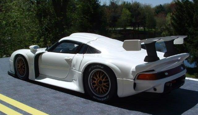 Porsche 911 GT1-white3-jpeg