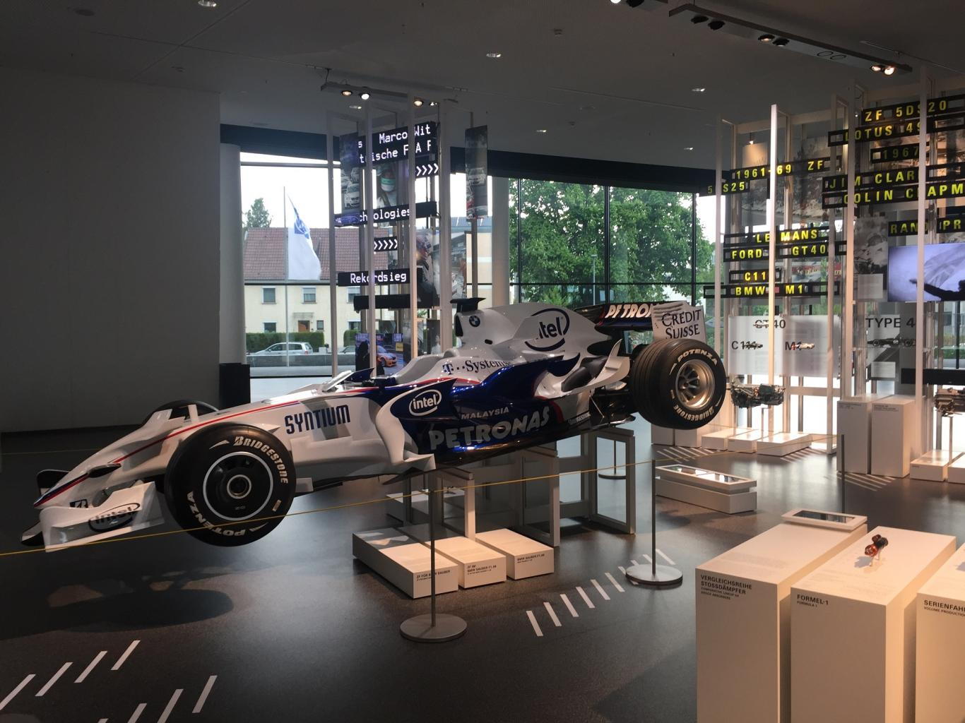 ZF 5DS25-2 on display-zf01-jpg
